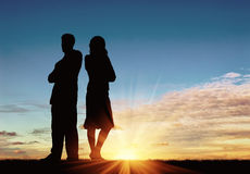 Silhouet van de mens en vrouw in een ruzie Royalty-vrije Stock Foto