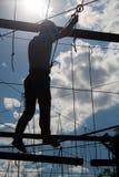 Silhouet van de persoon in de Kabelstad Stock Afbeeldingen