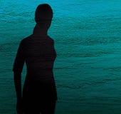 Silhouet van een eenzaam meisje op een blauwe en groene geweven achtergrond Droefheid, het snakken, depressie vector illustratie