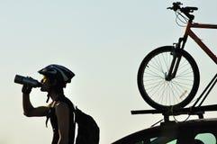 Silhouet van een fietser Stock Afbeelding