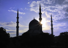 Silhouet van een Moskee Stock Afbeelding