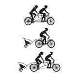 Silhouet van familie op fietsen Fiets en achter elkaar-fiets Royalty-vrije Stock Afbeelding