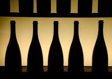 Silhouet van flessen Stock Afbeeldingen