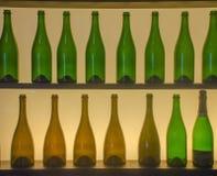 Silhouet van flessen Stock Foto's