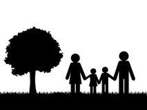 Silhouet van gelukkige familie in openlucht vectorachtergrond Stock Afbeelding
