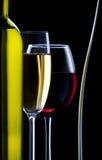 Silhouet van glazen en fles wijn Royalty-vrije Stock Foto
