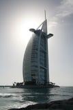 Silhouet van het al Burj Arabische hotel Royalty-vrije Stock Afbeeldingen