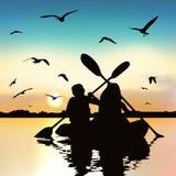 Silhouet van het grappige meisjes kayaking stock illustratie