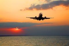 Silhouet van het grote vliegtuig Royalty-vrije Stock Afbeelding