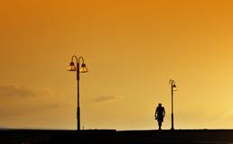 Silhouet van het Lopen van de Mens Royalty-vrije Stock Foto