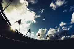 Silhouet van het Olympische stadion van Londen Stock Afbeeldingen