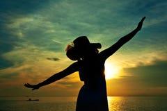 Silhouet van jonge mooie vrouw Royalty-vrije Stock Fotografie