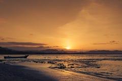Silhouet van mensen die bij het strand in Puerto Viejo DE Talamanca, Costa Rica zwemmen Royalty-vrije Stock Afbeelding