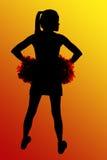 Silhouet van middelbare school cheerleader handen op heupen Stock Afbeeldingen