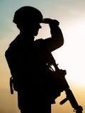 Silhouet van militair stock fotografie