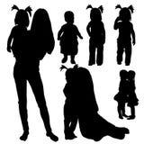 Silhouet van moeder en baby, inzameling Stock Foto