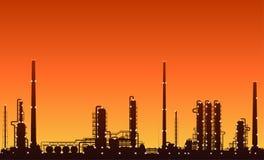 Silhouet van olieraffinaderij of chemische installatie Royalty-vrije Stock Afbeeldingen