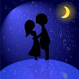 Silhouet van romantisch paar bij nacht. Vectorillustratie van l Stock Foto's