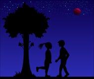 Silhouet van romantisch paar bij nacht Vectorillustratie van minnaars Zoet Stock Foto's