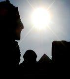 Silhouet van sfinx en piramide van Giza Royalty-vrije Stock Foto