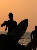 Silhouet van Surfer Stock Afbeelding