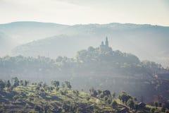 Silhouet van tempel SV Vaznesenie Gospodne in Bulgarije royalty-vrije stock foto