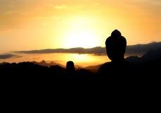 Silhouet van tempelstandbeeld Royalty-vrije Stock Foto's
