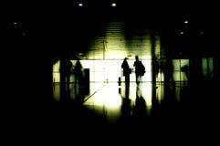 Silhouet van twee mensen het reizen Stock Foto