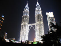 Silhouete of a couple, KLCC Twin Towers Royalty Free Stock Photography