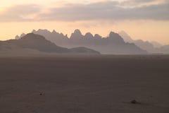 Silhouete de las montañas Foto de archivo libre de regalías