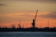 Silhouett del puerto de la noche Imagen de archivo libre de regalías