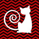 Silhouette кот с красной и черной предпосылкой шеврона Стоковая Фотография