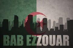 Silhouette abstraite de la ville avec le texte Bab Ezzouar au drapeau d'Algérien de vintage Photo libre de droits