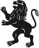 Silhouette av en lion Arkivfoton