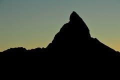 Silhouette av Matterhorn Arkivbild