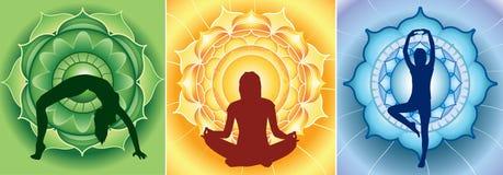 Silhouette av yogaflickor på ljus mandala Arkivbilder