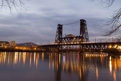 Silhouette bascule bridge across Willamette river in Portland ni Royalty Free Stock Images