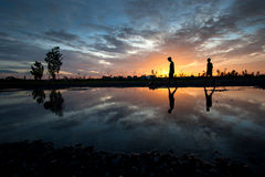 Silhouette children at sunset Royalty Free Stock Images