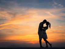 Silhouette of Couple at Sunset Royalty Free Stock Photos