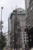 Silhouette d'église presbytérienne de Midtown Manhattan à New York City aux Etats-Unis Image stock