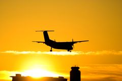 Silhouette d'avion photographie stock libre de droits