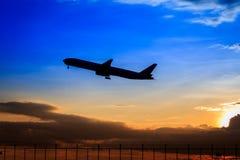 Silhouette d'avion Photo stock