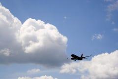 Silhouette d'avion Photographie stock libre de droits