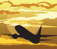 Silhouette d'avion d'air dans le ciel Photographie stock libre de droits