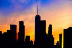 Silhouette de ville au coucher du soleil new york image - Coucher du soleil new york ...