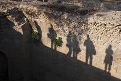 Silhouette d'un photographe dans une ville antique Image stock