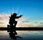 Silhouette d'un terroriste image libre de droits