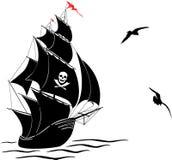 Silhouette d'un vieux bateau de pirate de voile et de deux mouettes Images stock