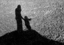 silhouette d'une mère et d'une fille Photo stock