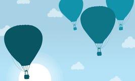 Silhouette de ballon à air avec le paysage de nuage Photos libres de droits